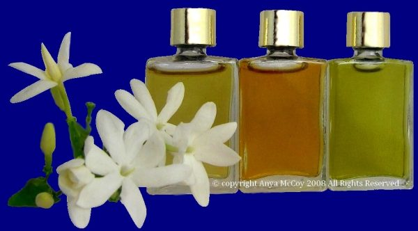 Natural Perfumers create perfumes from 100% natural aromatics